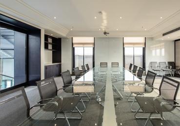 有优质的会议系统设备并且具备以下几点功能:1、先进的展示功能;2、完善的会议功能;3、强大的培训功能;4、一般性演出功能。